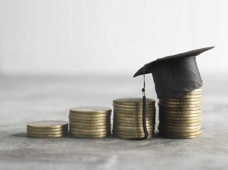 Pożyczka czy kredyt – co wybrać do sfinansowania wakacji?