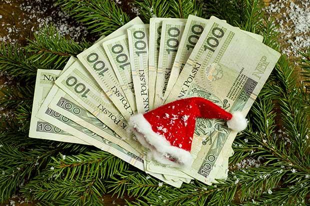 Kredyt gotówkowy na święta - jak nie przesadzić