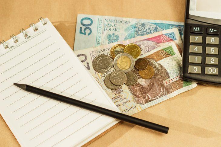 Kredyt w banku a wnioskowanie o chwilówkę