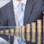 Pośrednicy finansowi odgrywają coraz większą rolę na rynku finansowym.