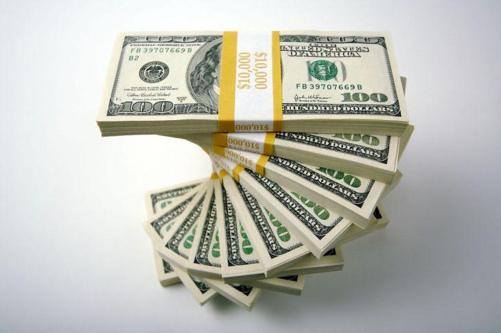 Instytucje pozabankowe udzielają pożyczek na dowód.
